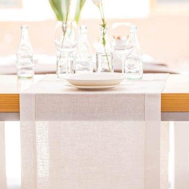 Camino de mesa de lino blanco